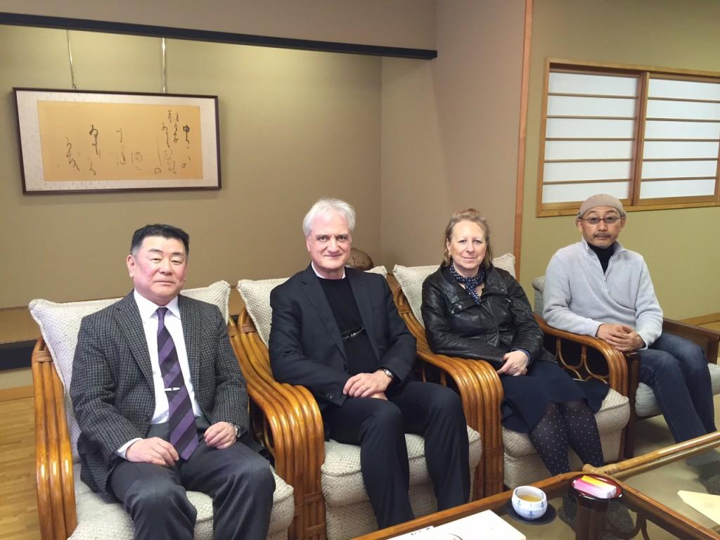 Bruno Riva e Katia Bagnoli a Tokyo con il presidente della nostra federazione JEFC (Japan Educational Calligraphy Federation) 日本教育書道連盟 e con Nakajima Hiroyuki.